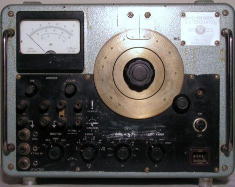 1113D RC oszcillátor